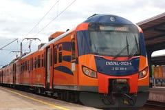 Mehrfacher elektrischer Zug EN57AL in Polen lizenzfreies stockbild