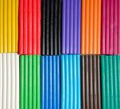 Mehrfarbenplasticine blockiert Hintergrund Lizenzfreie Stockfotos