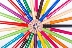 Mehrfarbige Bleistifte im Kreis Lizenzfreies Stockfoto