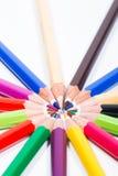Mehrfarbige Bleistifte im Kreis Lizenzfreie Stockfotografie