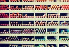 Mehrfarbige Bleistifte im Speicher Lizenzfreies Stockfoto