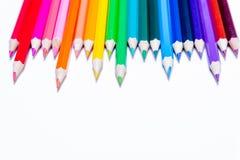 Mehrfarbige Bleistifte von Regenbogenfarben Stockbild