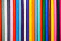 Mehrfarbige hölzerne Bleistiftnahaufnahme Das Konzept der Bildung und der Kreativität Lizenzfreie Stockfotos