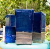 Mehrfarbige keramische Schüsseln und Schalen handgefertigt Lizenzfreie Stockfotografie
