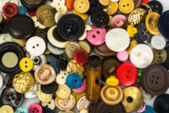 Mehrfarbige Knöpfe für Kleidung Lizenzfreies Stockbild
