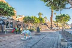 Mehrfarbige Nashornstatue, bei Victoria und bei Alfred Waterfron lizenzfreie stockfotografie