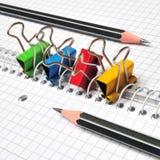 Mehrfarbige Papierklammern Lizenzfreie Stockfotografie