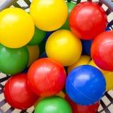 Mehrfarbige Plastikbälle Stockfotografie