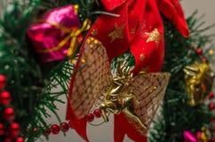 Mehrfarbige Weihnachtsdekorationen für die Dekoration für das neue Jahr Lizenzfreie Stockfotos