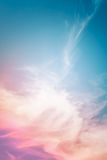 Mehrfarbige Wolken-Zusammenfassung Stockbilder