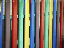 Mehrfarbiger Bretterzaun Stockbilder