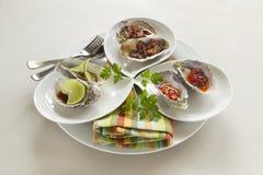 Mehrlagenplatte der Austern lizenzfreies stockfoto