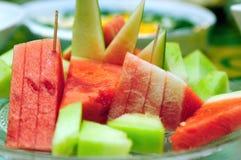 Mehrlagenplatte der tropischen Früchte stockbild