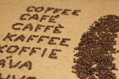Mehrsprachiger Wortkaffee im Winkel Stockbild