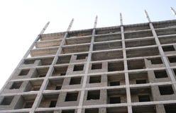 Mehrstöckiges Wohngebäude im Bau Lizenzfreies Stockbild