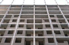 Mehrstöckiges Wohngebäude im Bau Stockbild