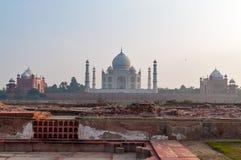 Mehtab Bagh Vue de Taj Mahal le soir Images stock