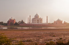 Mehtab Bagh Vue de Taj Mahal le soir Photographie stock libre de droits