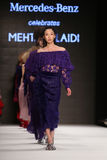 Mehtap Elaidi Catwalk in Mercedes-Benz Fashion Week Istanbul Stockbilder