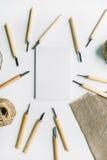Meißelwerkzeuge über dem Schärfen des Gegenstandes Stockbilder