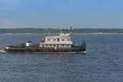 05 mei, 2016: Foto van sleepboot op de Volga rivier Cheboksary r Royalty-vrije Stock Foto's