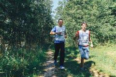 26-27 mei, 2018 Naliboki, de Witrussische alle-Witrussische amateurlooppas van marathonnaliboki stock foto's