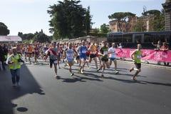 17 mei, 2015 Ras voor de behandeling, Rome Italië Ras tegen borstkanker Stock Foto