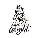 Mei uw dagen vrolijk en helder is De kaart van de Kerstmisgroet met borstelkalligrafie Vector zwart type met goud royalty-vrije illustratie