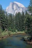 Meia abóbada sobre o rio de Merced Imagem de Stock Royalty Free