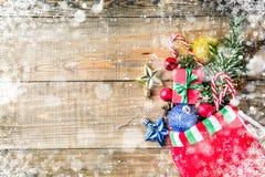 Meia, decoração e brinquedos do Natal fotografia de stock