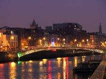 Meia ponte da moeda de um centavo em Noite Fotos de Stock Royalty Free