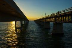 7 Meile brigde Sonnenuntergang zwischen neuem und altem Stockfotos