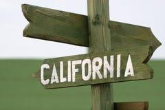 Meile Signpost zu Kalifornien Stockbild