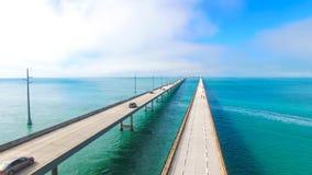 7 Meilen-Brücke Schattenbild des kauernden Geschäftsmannes Florida-Schlüssel, Marathon, USA Lizenzfreie Stockfotos
