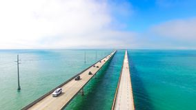 7 Meilen-Brücke Schattenbild des kauernden Geschäftsmannes Florida-Schlüssel, Marathon, USA Lizenzfreies Stockfoto