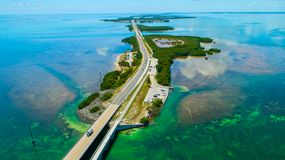 7 Meilen-Brücke Schattenbild des kauernden Geschäftsmannes Florida-Schlüssel, Marathon, USA Lizenzfreie Stockbilder