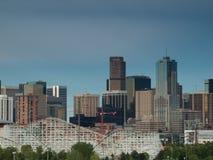Meilen-hohe Stadt von Denver bis zum Nacht Stockfoto