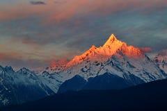 Meili śniegu góra zdjęcia royalty free