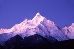 Meili Schnee-Berge morgens lizenzfreie stockfotografie