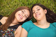 Meilleurs amis détendant ensemble Image stock