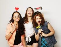 meilleurs amis de filles de hippie prêts pour la partie Photographie stock libre de droits
