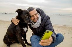 Meilleurs amis faisant le selfie Images libres de droits