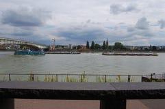 Mein на Бонне Река - slogger стоковое изображение rf