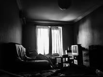 Mein dunkles Wohnzimmer Stockbild