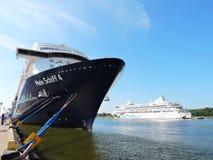 Mein Schiff 4 en AIDA-de schepen van de vitacruise Stock Foto's