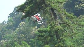 MEINA Włochy jun18 2019 transport materiały helikopterem zdjęcie wideo