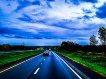 Meine Ansicht als über dem Straßensattelzugfahrer stockfoto