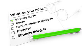 Meinungsumfragepapier, -stift und -gläser Stockfotografie
