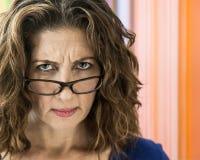 Meio irritado mulher envelhecida Fotos de Stock