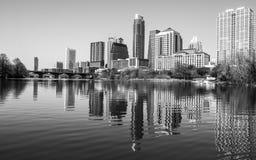 Meio perfeito do lago Austin Skyline Reflection town Imagem de Stock Royalty Free